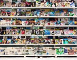 liu-bolin-hiding-italy-magazine-rack